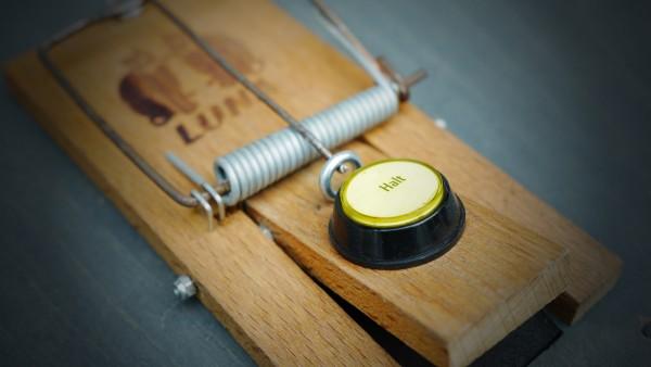 Button Trap @ Büro für Brauchbarkeit, Cologne (GER)   Photo: Volker Morawe